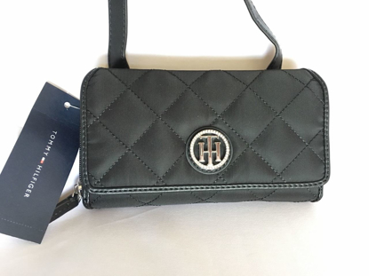 Picture of Tommy Hilfiger Crossbody Phone Case Wallet in Black